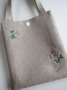 Supreme Best Stitches In Embroidery Ideas. Spectacular Best Stitches In Embroidery Ideas. Embroidery Bags, Hand Embroidery Patterns, Embroidery Stitches, Art Bag, Jute Bags, Linen Bag, Fabric Bags, Quilted Bag, Cloth Bags
