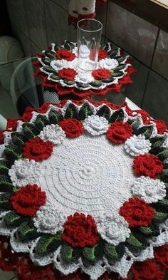 Lori Collins-flanagan's media content and analytics Crochet Tablecloth, Crochet Doilies, Crochet Flowers, Crochet Chart, Thread Crochet, Crochet Home, Love Crochet, Doily Patterns, Crochet Patterns