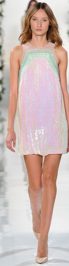 Valentin Yudashkin Collection Spring 2015