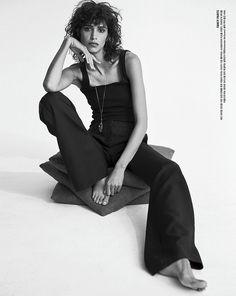 Mica Arganaraz Wears Cool Girl Style for Vogue Korea Fashion Model Poses, Fashion Shoot, Editorial Fashion, Fashion Models, Hipster Fashion, Dope Fashion, Hipster Style, High Fashion, Wild Curly Hair