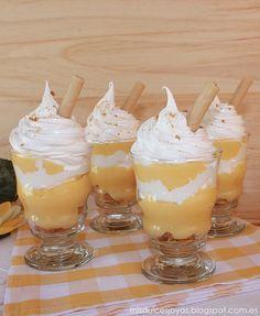 """Vasitos de crema de limón y merengue, al estilo Lemon Pie - Reto """"Alfabeto Dulce"""" - Mis Dulces Joyas Dessert Shooters, Dessert In A Jar, Dessert Cups, Lime Recipes, Baby Food Recipes, Sweet Recipes, Dessert Recipes, Lemon Cream, Cream Pie"""