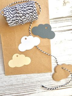 30 TAGs in the shape of A NUVOLA ideal to accompany the canisters and as a close-up or placeholder Gemma, Paper Design, Baby Shower, Clouds, Gifts, Diy, Atelier, Babyshower, Presents