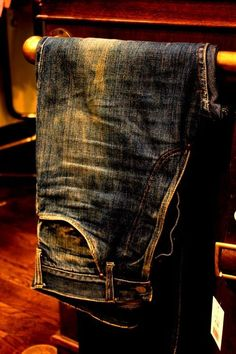 Great vintage jeans to pair up with leather boots Raw Denim, Denim Jeans, Blue Jeans, Denim Fashion, Male Fashion, Well Dressed Men, Vintage Jeans, Swagg, Outfit