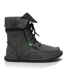 Get winter goin' with new Sanuk® shoes! Shop Women's shoes, Sidewalk Surfers®, & Sandals now - including some fresh Yoga Slings made outta real yoga mats! Cute Shoes, Me Too Shoes, Hippie Style, My Style, Sanuk Shoes, Surfer Style, Fall Outfits, Fashion Shoes, Shoe Boots