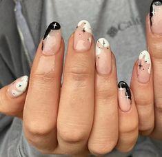 Star Nail Art, Star Nails, Edgy Nail Art, Trendy Nail Art, Minimalist Nails, Nail Swag, Star Nail Designs, Claw Nails Designs, Funky Nail Designs