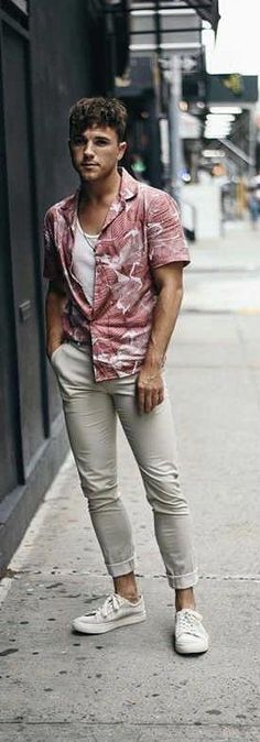 - with a summer floral button up short sleeve shirt white v-neck tan trousers no show socks white sneakers Stylish Mens Fashion, High Fashion, Stylish Menswear, Men's Fashion, Fasion, Fashion Styles, Streetwear, Sneakers Fashion, Fashion Outfits