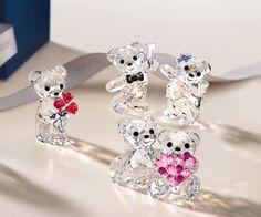 Kris Bear - Let`s Celebrate - Gifts - Swarovski Online Shop Swarovski Crystal Figurines, Swarovski Crystals, Apple Art, Hello Kitty Items, Crystal Decor, Glass Figurines, Heart Shaped Diamond, Disney Jewelry, Crystal Collection