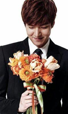 Lee min ho so smart n handsome Boys Before Flowers, Boys Over Flowers, Korean Celebrities, Korean Actors, Asian Actors, Lee Min Ho Smile, Lee And Me, Lee Min Ho Photos, Jun Ji Hyun