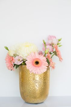 Pink and Gold Blush Flowers, Pretty Flowers, Pretty In Pink, Wedding Flowers, Wedding Images, Diy Wedding, Vow To Be Chic, Pink Photography, Sparkle Party