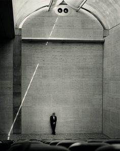 Louis Kahn in the Kimbell Museum
