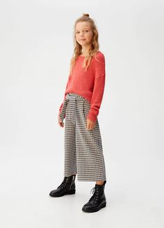 Discover the latest trends in Mango fashion, footwear and accessories. Shop the best outfits for this season at our online store. Trousers For Girls, Girls Pants, Kids Usa, Mango Fashion, Houndstooth, Boy Fashion, Latest Fashion Trends, Fashion Online