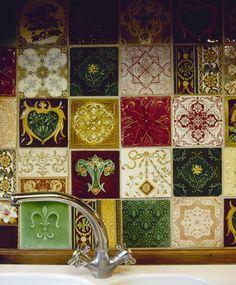 Mediterranean Kitchen Photos of - Lonny Vintage Tile, Vintage Kitchen, Kitchen Splashback Tiles, Hipster Decor, Modern Flooring, Flooring Ideas, Cocinas Kitchen, Mediterranean Home Decor, Mediterranean Architecture