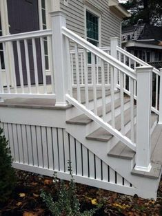 Deck skirting is an important part of a deck. There are many ways to design it. You can make a deck more interesting with our deck skirting ideas here Porch Steps, Front Steps, Door Steps, Deck Skirting, House Skirting, Patio Deck Designs, Porch Designs, Front Porch Design, Patio Design