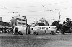 Bucuresti, Piata Unirii, 1971   [foto: Pascal Pontremoli] Socialist State, Socialism, Warsaw Pact, Central And Eastern Europe, Bucharest Romania, Buses, Nostalgia, Germany, Memories