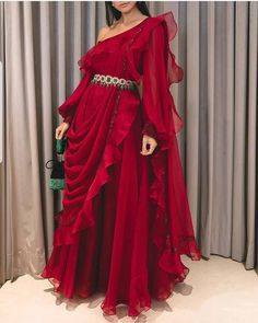 Indian Fashion Dresses, Indian Bridal Outfits, Indian Gowns Dresses, Dress Indian Style, Indian Designer Outfits, Pakistani Dresses, Indian Wedding Gowns, Lehenga Designs, Sharara Designs