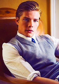 Hunter Parrish #Weeds #Showtime There is something about this cute boy....love him