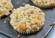 Peach Crumb Muffins are fluffy homemade muffins perfect for breakfasts and snacks. Moist and flavorful muffins loaded with fresh summery peaches, cinnamon Apple Pie Muffins, Peach Muffins, Lemon Blueberry Muffins, Homemade Muffins, Breakfast Muffins, Best Breakfast, Best Muffin Recipe, Simple Muffin Recipe, Muffin Recipes