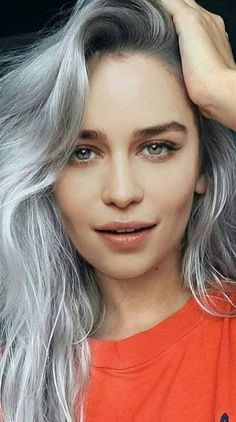 Search free emilia clarke Wallpapers on Zedge and personalize your phone to suit you. Start your search now and free your phone Emilia Clarke Daenerys Targaryen, Emilia Clarke Sexy, Celebrity Hairstyles, Cool Hairstyles, Emilie Clarke, Hollywood, Mother Of Dragons, British Actresses, Hair Transformation