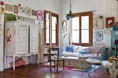 very nice vintage house http://decortherapia.blogspot.hu/2013/08/la-casa-de-ana.html