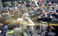 Δακρυγόνα και συγκρούσεις στην Άγκυρα για τον θάνατο των μαθητριών