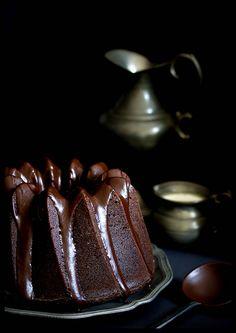 Juicy Chocolate Espresso Cake with Dark Chocolate and Cinnamon Glaze Tea Cakes, Food Blogs, Baking Bad, Coffee Varieties, Tasty Chocolate Cake, Easy Cake Recipes, Recipe For 4, Best Coffee, Sweets