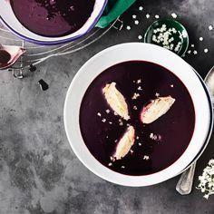 Kalte Dessertsuppe mit Grießklößchen für warme Sommertage. #suppe #nachtisch #hollunderblüte #edeka