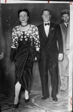 1946 FASHIONABLE Photo of Duke & Duchess of Windsor Attending Premiere