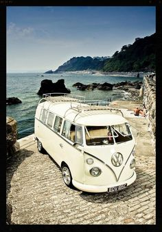 Beautiful VW Camper van #travelling  **Love the color, but not how low this kind of VW sits**