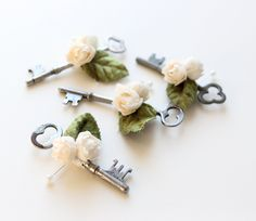 Key boutonniere, Groomsmen, Wedding - Key to my Heart. $25.00, via Etsy.