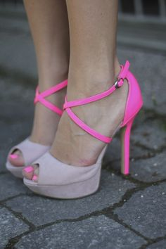 Two toned pink heels