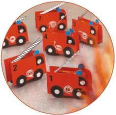Treat of raisin box packed as a fire truck - traktatie - Auto Kids Birthday Treats, Boy Birthday, Party Treats, Party Favors, Diy For Kids, Crafts For Kids, Fireman Party, Niklas, Color Style