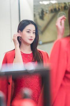"Oh Yeon Seo Undergoes 180 Degree Change In Upcoming Episode Of ""Hwayugi"" Cha Seung Won, Lee Seung Gi, Korean Actresses, Korean Actors, Korean Dramas, Divas, Yoon Seo, Oh Yeon Seo, Cinderella And Four Knights"