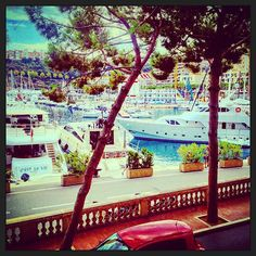 #PortHercule Coucou Monaco ...  #BienArrivé #Chambre #Port #MonteCarlo #Hôtel #Vacances #Color #Sun #Happy #Yacht by bebertsmalls from #Montecarlo #Monaco
