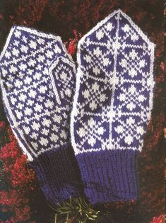 """Photo from album """"Norske Luer - Norske Votter"""" on Yandex. Knit Mittens, Mitten Gloves, Fair Isle Knitting, Yarn Crafts, Views Album, 1, Colours, Crochet, Wall Photos"""
