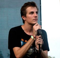 John O'Callaghan of The Maine... I want to touch his hair soooo bad