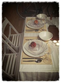 Diner En Blanc Table Setting. Got authorization for sharing one table between four. More efficiency strategy: each of us will take care of one course for dinner.