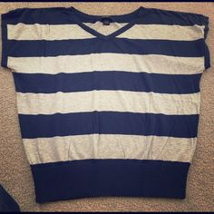 Large Lucky Brand navy blue and gray shirt This is pre-owned but has no rips or stains. Lots of life left.  I discount bundles and ship same day! Lucky Brand Tops Tees - Short Sleeve