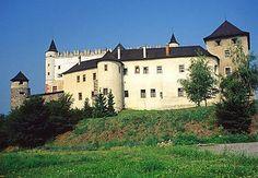 Zólyom vára, Felvidék, ma Szlovákia területén Medieval Castle, Cathedrals, Palaces, Beautiful Landscapes, Hungary, Scotland, Cities, England, Europe