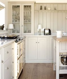 We absolutely love the tongue and grooved panel in this beautiful country kitchen #deVOLKitchens