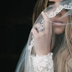 In love with this ❤️ @chantelmarie #onefineday #weddingfair #weddinginspo #bridal #bride #beautiful #veil #wedding