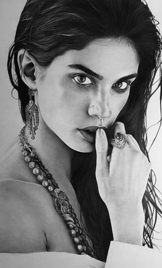 How to Get Started Drawing with Charcoal! Part charcoal drawing for beginners; charcoal drawing easy drawing for beginners ideas Charcoal Drawing Tutorial, Charcoal Drawings, Drawing S, Drawing Ideas, Drawing Faces, Easy Drawings, Pencil Drawings, Compressed Charcoal, Drawing For Beginners