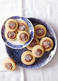 Hazelnut Gelt Cookies Chocolate Orange, Chocolate Hazelnut, Hazelnut Cookies, Hanukkah Gifts, Happy Hanukkah, Xmas Cookies, Food Network Recipes, Sweet Recipes, Favorite Recipes