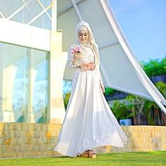 """Lace and Swing swing kinda day  Dolled up by me using @wardahbeauty  #ForTheLoveOfSkirt #Bali"" 