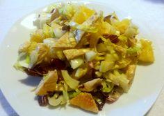 insalata di petto di pollo, ananas e mandorle