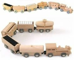 Wooden Brio ELC Compatible Sized Magnetic Push/Pull Toy Train & Five Carriages