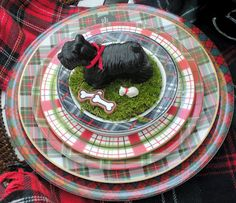 Plaid dishes from the blog Hyacinths for the Soul.