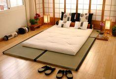 Japanese Style Bedroom, Japanese Interior Design, Japanese Home Decor, Asian Home Decor, Japanese House, Japanese Modern, Japanese Design, Traditional Japanese, Japanese Floor Bed