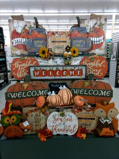 Cute Crafts, Fall Crafts, Hobby Lobby Decor, Harvest Basket, Primitive Fall, Porch Decorating, Interior Decorating, Happy Fall Y'all, White Pumpkins