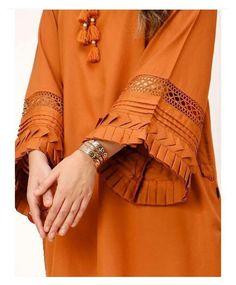 Kurti Sleeves Design, Kurta Neck Design, Sleeves Designs For Dresses, Sleeve Designs, Stylish Dresses For Girls, Stylish Dress Designs, Stylish Dress Book, Pakistani Fashion Party Wear, Pakistani Dress Design