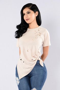 Available in Heather Grey and Oatmeal Distressed Tee Round Neckline Short Sleeve High Side Slits Knotted Front Made in USA Polyester Cotton Rayon Spandex Girls Night Out Outfits, Classy Outfits, Beautiful Outfits, Stylish Outfits, Cool Outfits, Look Fashion, Fashion Models, Fashion Outfits, Boutique Clothing